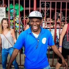 David Palacios — Guía del Tour a pie de los graffitis de Comuna 13, Colombia