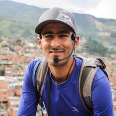 John Ramirez — Guía del Tour a pie de los graffitis de Comuna 13, Colombia