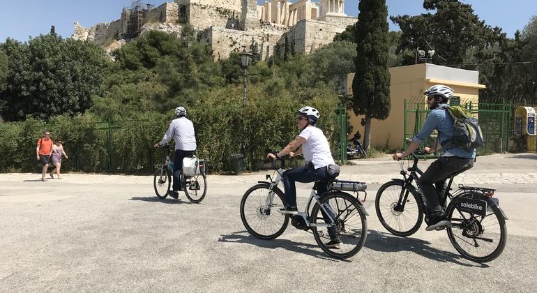 Tour en bicicleta por la Acrópolis de Atenas Operado por Solebike