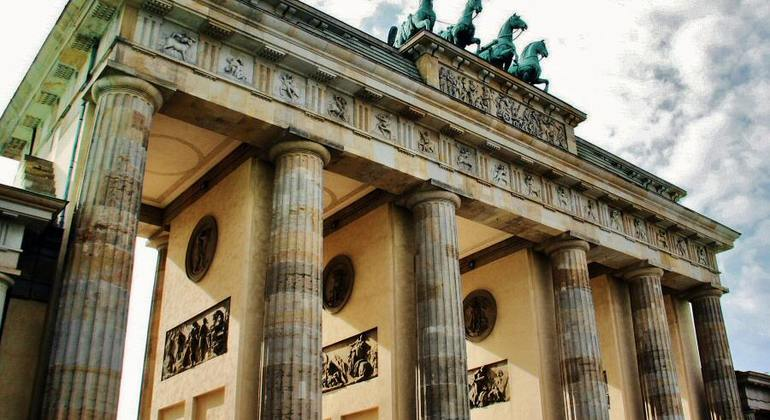 Free Berlin Tour Essential in Spanish Germany — #12