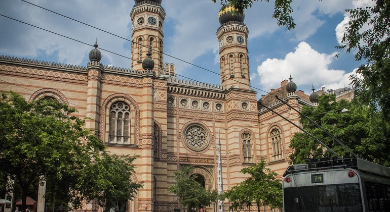 Jewish district free tour Provided by Free Budapest Tours