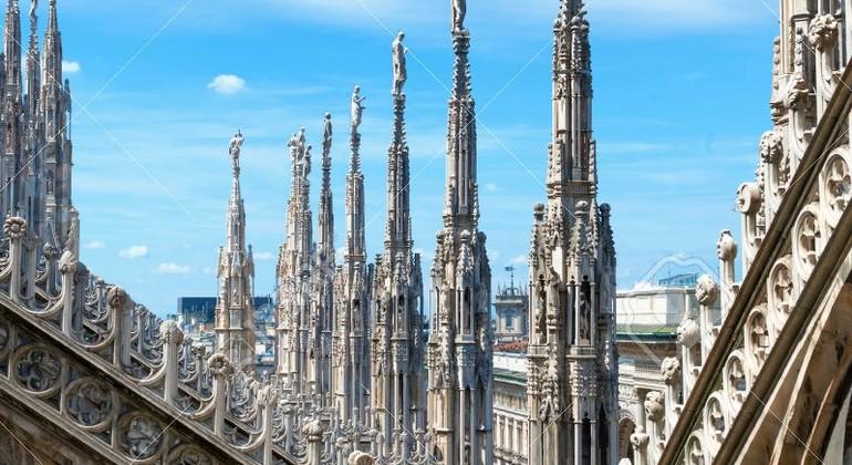 Milán que Sorprende Free Tour Operado por Enzo  Modolo
