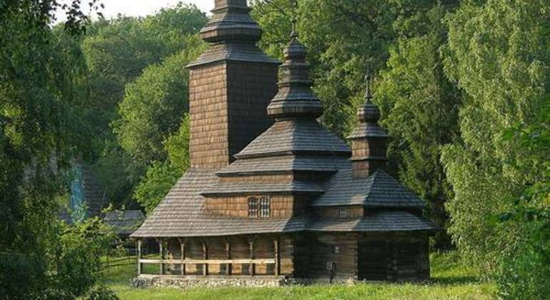 Pirogovo Tour with Private Car Provided by Kiev Free Walking Tours