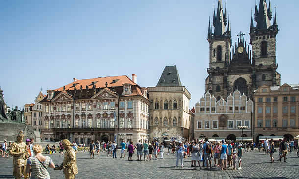 Day Tour From Prague To Budapest