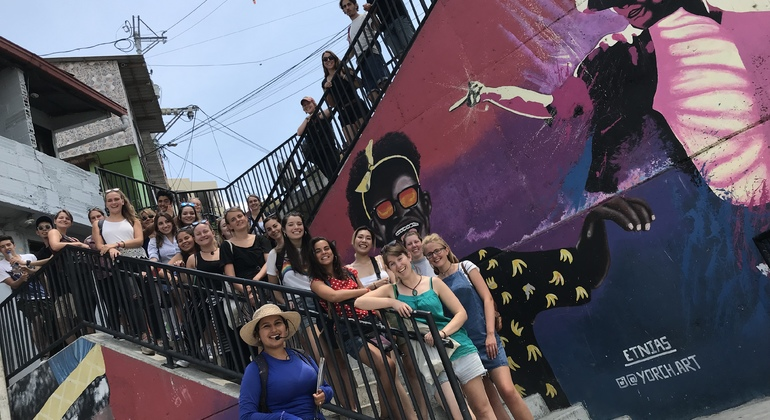 Graffiti Free Zippy Walking Tour Comuna 13 Colombia — #27