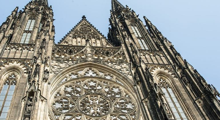 Free Prague Castle Tour Czech Republic — #9