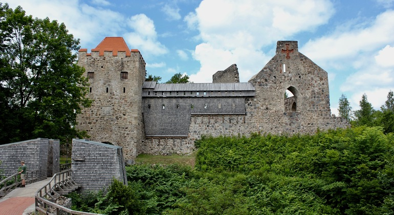 Sigulda Sightseeing Day Trip from Riga Operado por Smile line day tours