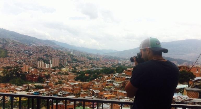 4-hour Medellin Slums Tour by Car Provided by Medellin City Services