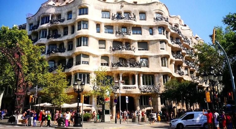 Sagrada Familia & Modernist Architecture Free Tour Spain — #16