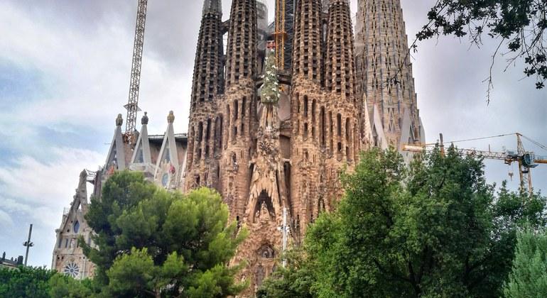 Sagrada Familia & Modernist Architecture Free Tour Spain — #3