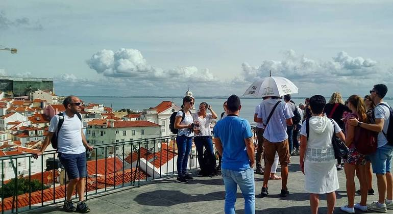 Alfama and Mouraria Free Walking Tour Provided by LIVE HISTORY - LIVE LISBON