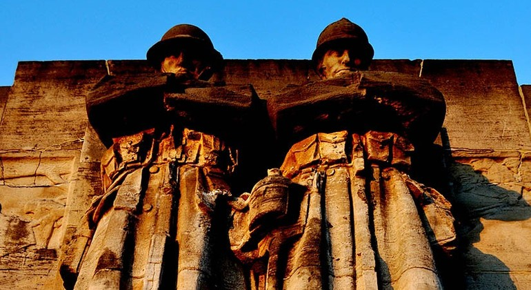 Visita Guiada - La Segunda Guerra Mundial Operado por Buendia Tours