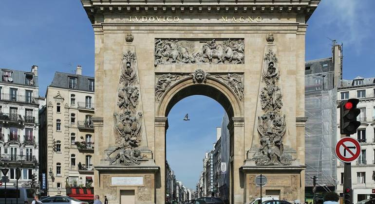 Free Paris Landmarks Tour Provided by Discover Walks - do more