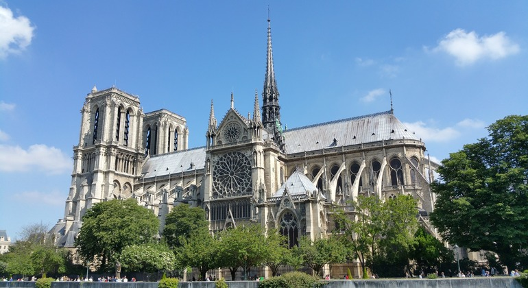 Free Tour: Notre Dame  - Tragedies and Triumphs Provided by Discover Walks - do more