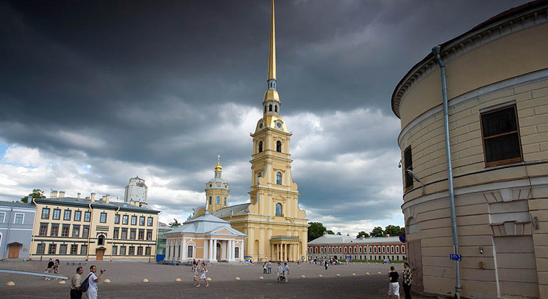 Walking Tour of Peter & Paul Fortress Provided by CHEAP TOURS RUSSIA