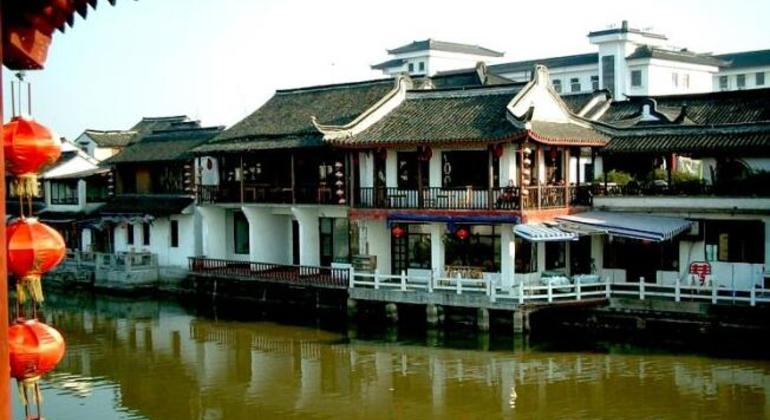 Zhujiajiao Tour & Night Cruise in Shanghai Provided by YesTrips Travel Service