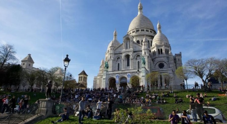 Free Montmartre Walking Tour Provided by Ready To Go Trips