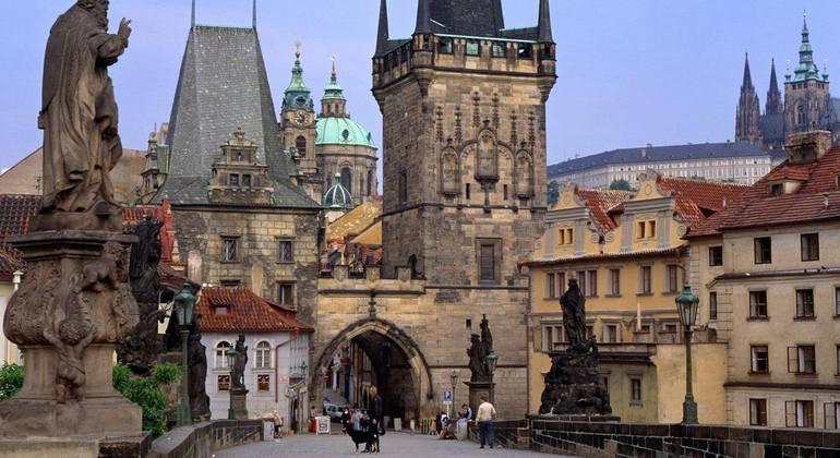 Castillo Puente De Carlos Y Mala Strana Tour Prague Freetour Com