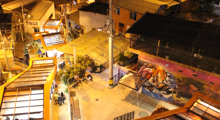 Free Walking Graffiti Tour of Comuna 13 Provided by Inside Medellin Tours