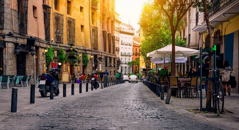 Free Madrid Landmarks Tour - Old City Provided by Strawberry Tours