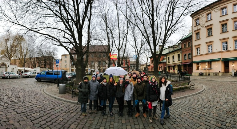 Walking Tour Kazimierz with Jewish and Christian Quarter Provided by Polonia Walking Tours (Paraguas Blanco)
