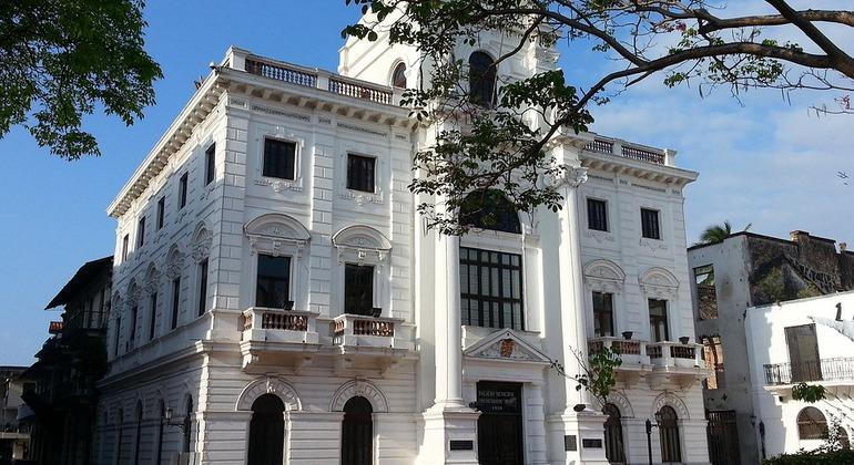 Casco Viejo Walking Tour Provided by Priscila Biddle