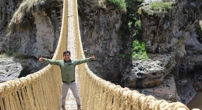 Queswachaka - Tour of Puente Inca Colgante Operado por chullos travel perú