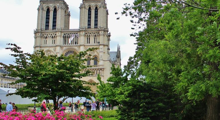 Free Trendy Marais Tour Provided by Discover Walks - do more