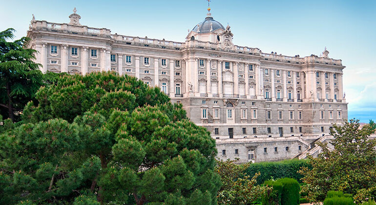 Free Tour Madrid Highlights Provided by Magerit tours