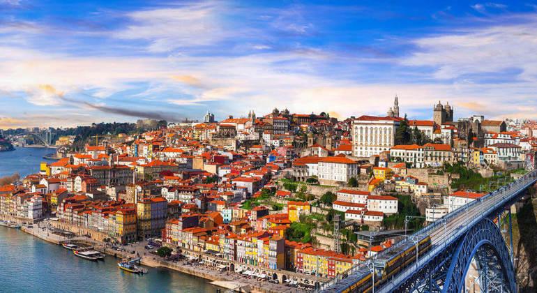 Free Tour Oporto Provided by 1·2·Tours