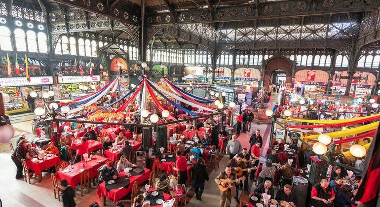 Free Market Tour Santiago Provided by Strawberry Tours