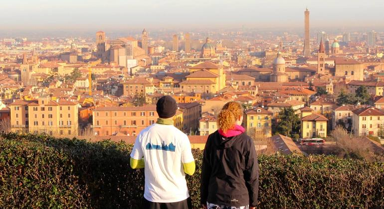 Free Walking Tour Bologna Italy