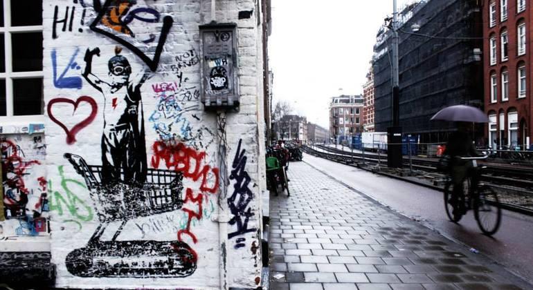 Street Art n Alternative Amsterdam Walking Tour Netherlands — #3
