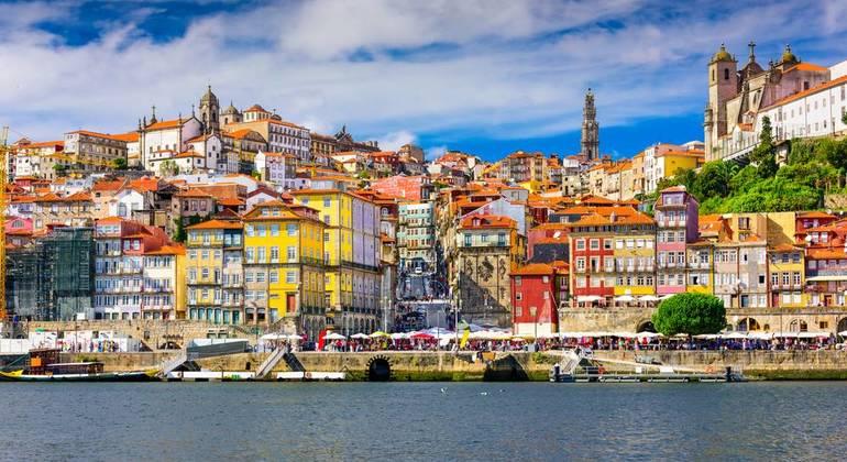 Tour Medieval y de Ribeira Operado por 1·2·Tours