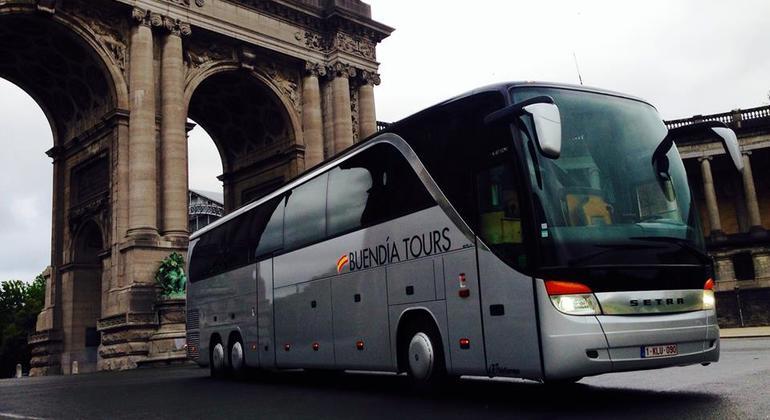 Visita Guiada Brujas con Traslado en Bus Operado por Buendia Tours