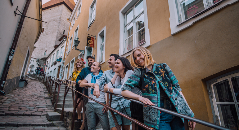 Tallinn Old Town Free Walking Tour Operado por EstAdventures