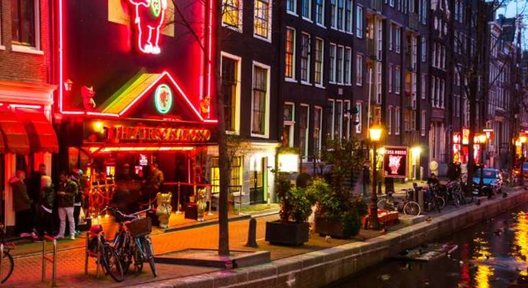 Free Red Light District Tour Amsterdam Netherlands — #1