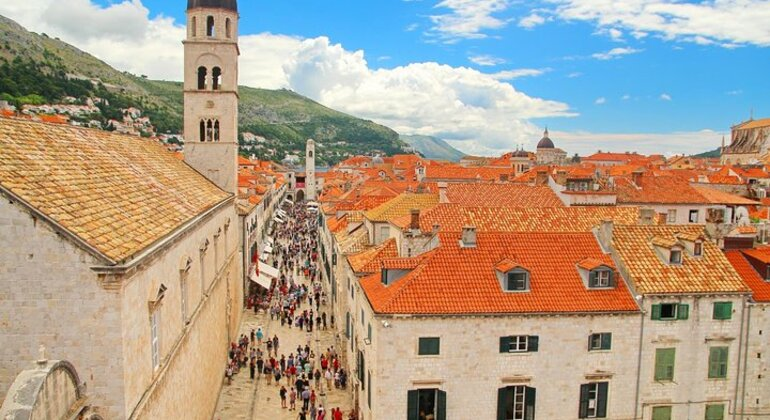 Walking Tour: The Old Town of Dubrovnik in English or Spanish Operado por Dubrovnik Walks