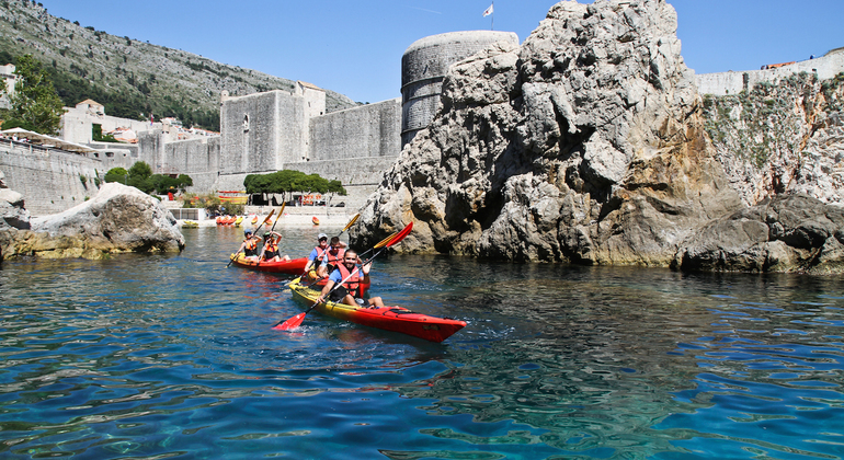 Sea Kayaking Tour Operado por Dubrovnik Walks