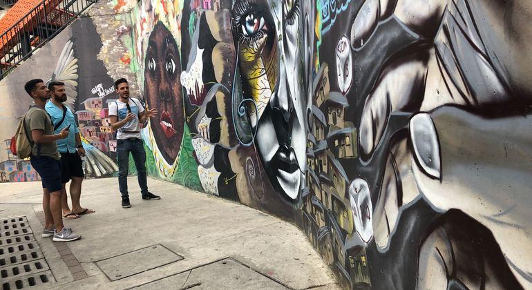 Comuna 13 - From Violence to Innovation Provided by Sebastián Calderón Giraldo