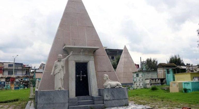 Tour por el Cementerio de Quetzaltenango Guatemala — #2
