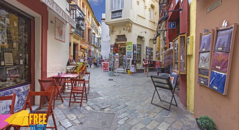 Tour Gratuito Misterios de Santa Cruz Operado por Sevilla Free Tours