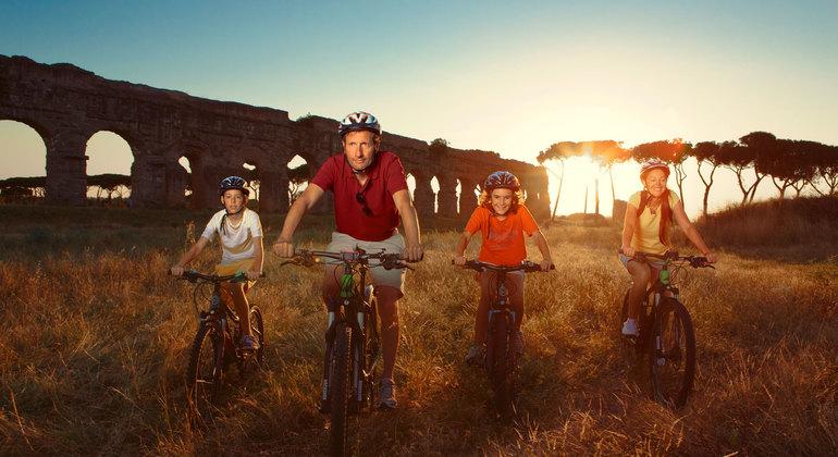 Tour en Bici por la Vía Apia, Catacumbas y Parque de los Acueductos Operado por TopBike Rental & Tours