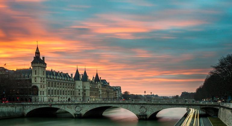 Free Portuguese Tour in Paris Provided by Paris a Pé