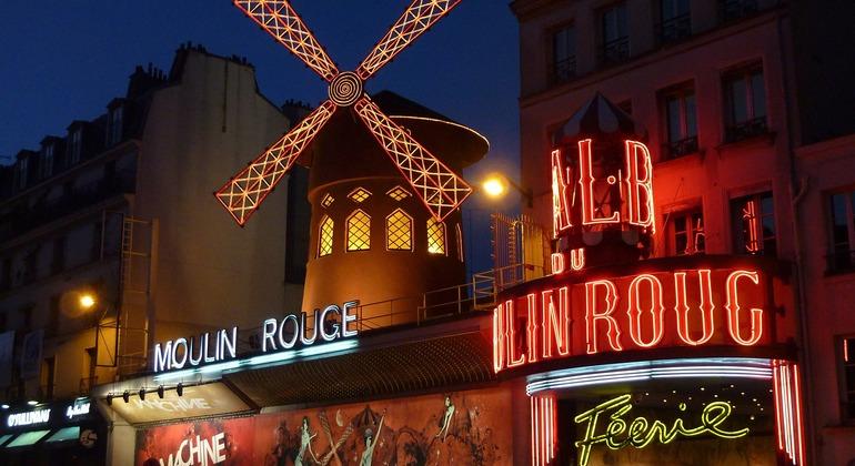 Free Tour Montmartre in Portuguese Provided by Paris a Pé
