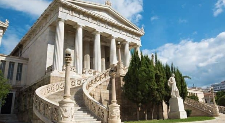 Free Tour in Athens Provided by Dionisio