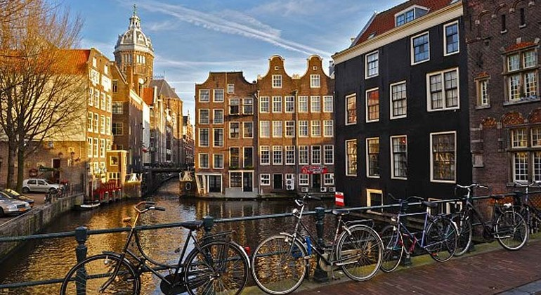 Free Walking Tour Amsterdam in Spanish Provided by  Buendia Tours Amsterdam